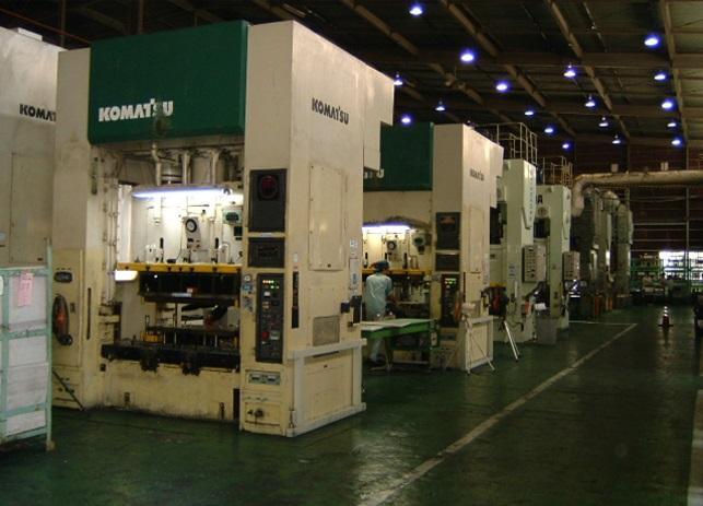 家電部品生産中型プレスライン