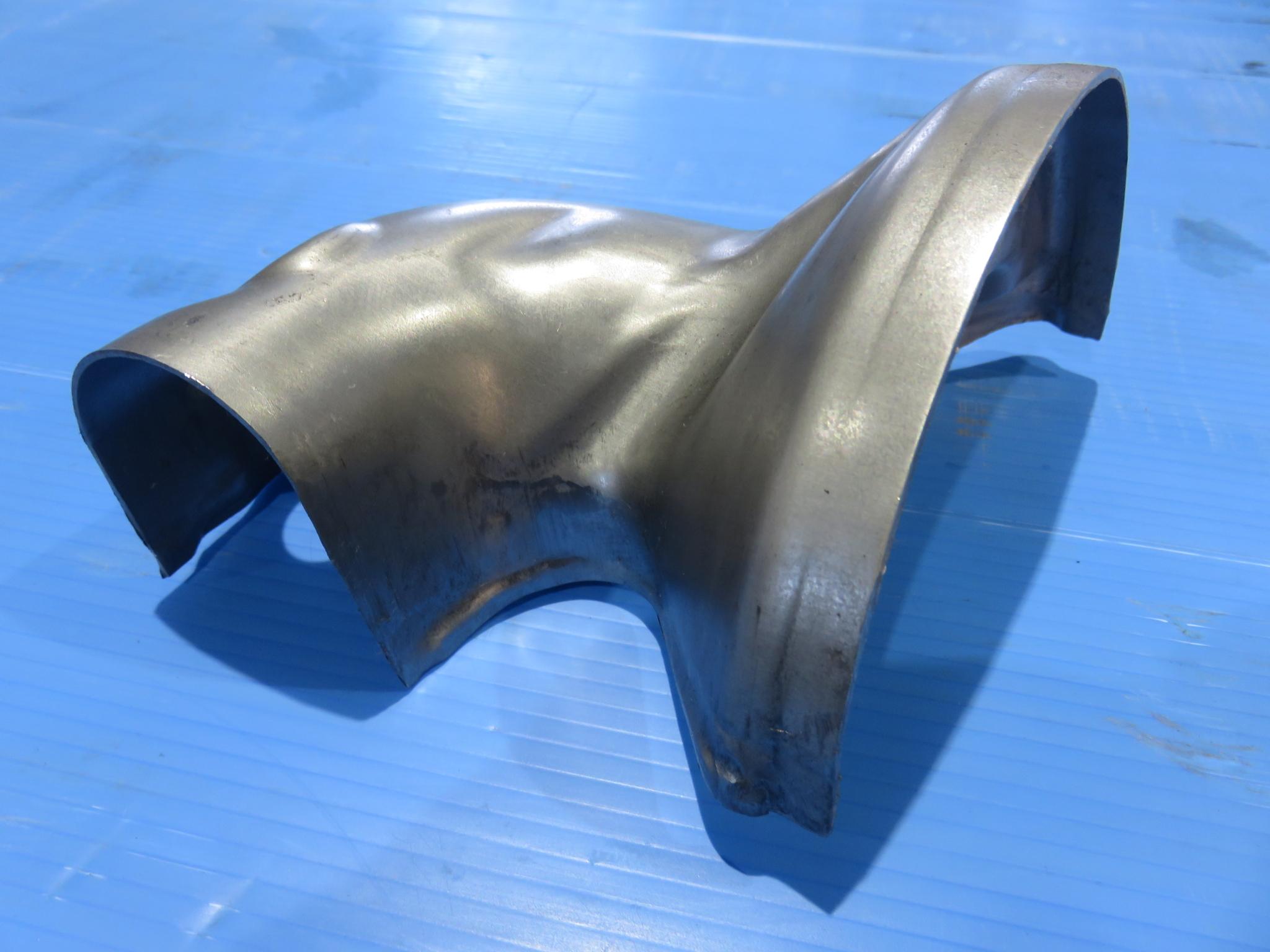 ステンレス鋼で板厚 1.5mm